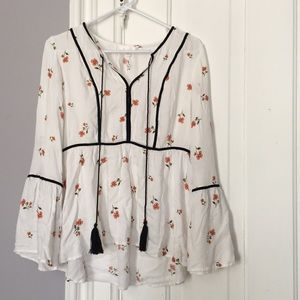 LC Floral Tassel Blouse w/ Bell Sleeves